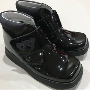 Andanines Piel Charol Negro (Pattern Leather) boot